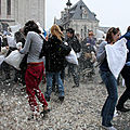 18-Pillow fight 12_4275