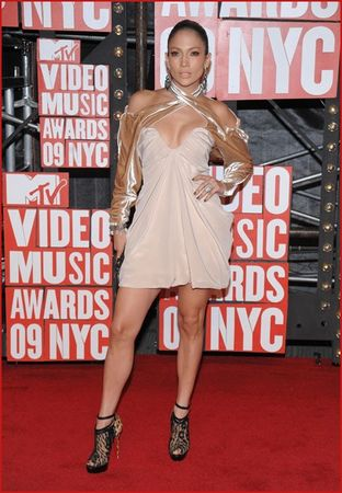 jennifer_lopez_attends_the_2009_mtv_video_music_awards
