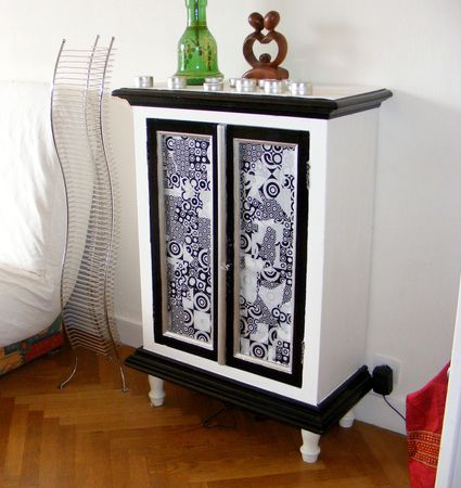 un meuble customis le scrap de ma. Black Bedroom Furniture Sets. Home Design Ideas
