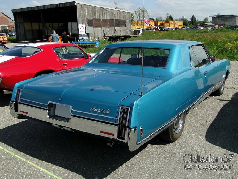 oldsmobile-98-holiday-coupe-1968-2