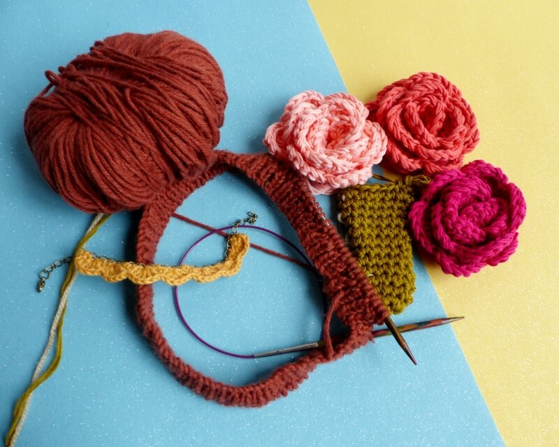 tricot-bonnet-encours-bouquet-mariée-crochet