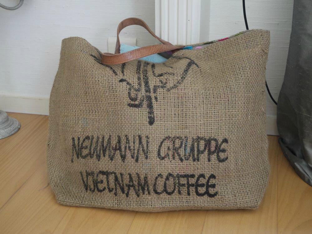nouveau grand sac de plage en sac caf recycl cafe du vietnam mod le rare l 39 atelier. Black Bedroom Furniture Sets. Home Design Ideas
