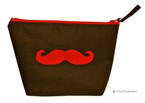 Trousse moustache rouge (1bis)