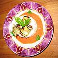 Papillotes d'aubergines, riz et coulis de tomates