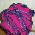 Toque fuschia broche