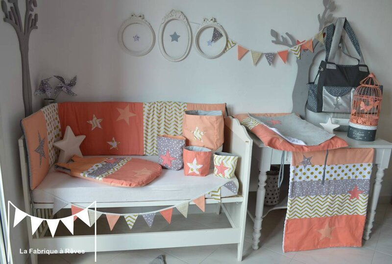 D coration chambre b b fille et linge de lit corail for Decoration chambre de fille