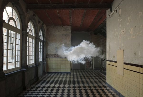 Berndnaut-Smilde-Cloud-Installations-03