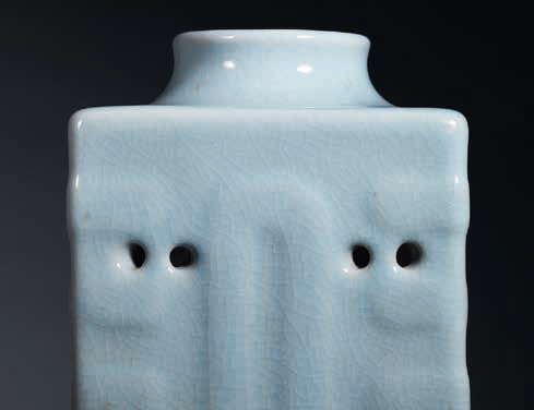 A very rare ru-type glazed cong-form vase, Qianlong six-character seal mark in underglaze blue and of the period (detail)