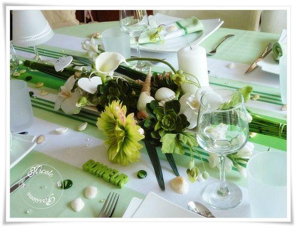 Ma table fleurs et coquillages avec la nappe donibane for Centre de table bambou