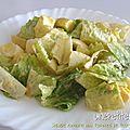 Salade romaine aux pommes de terre et aux oeufs