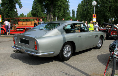 Aston_Martin_DB6__Retrorencard_juin_2010__02