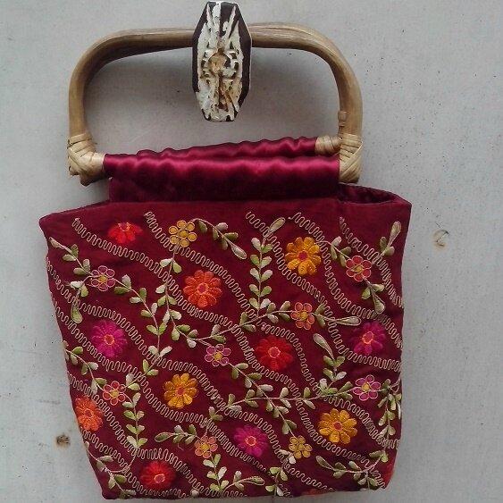 sac bordeau à fleurs