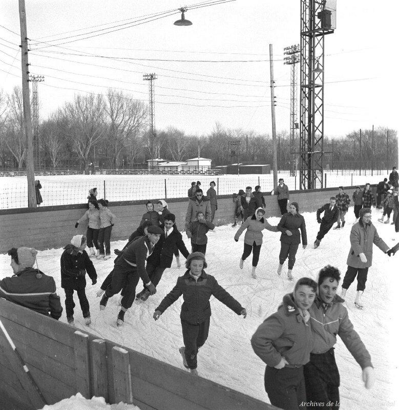 1955 Patinage au parc La Fontaine, Archives de la Ville de Montréal,VM105-Y-3-063-04
