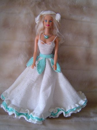 barbie_robe_blanche_turquoise