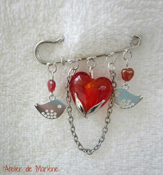 broche coeur rouge