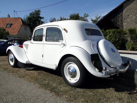 CITROEN_Traction_15__2_