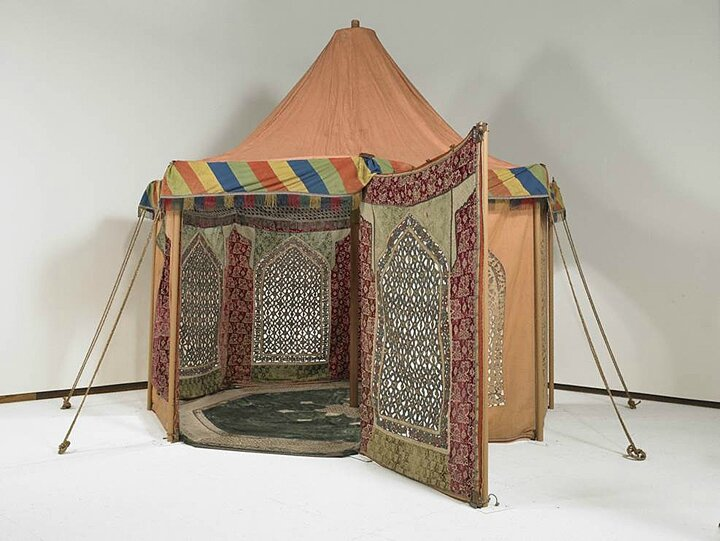 Exhibition at Saint Louis Art Museum highlights carpets and tents from the Ballard collection
