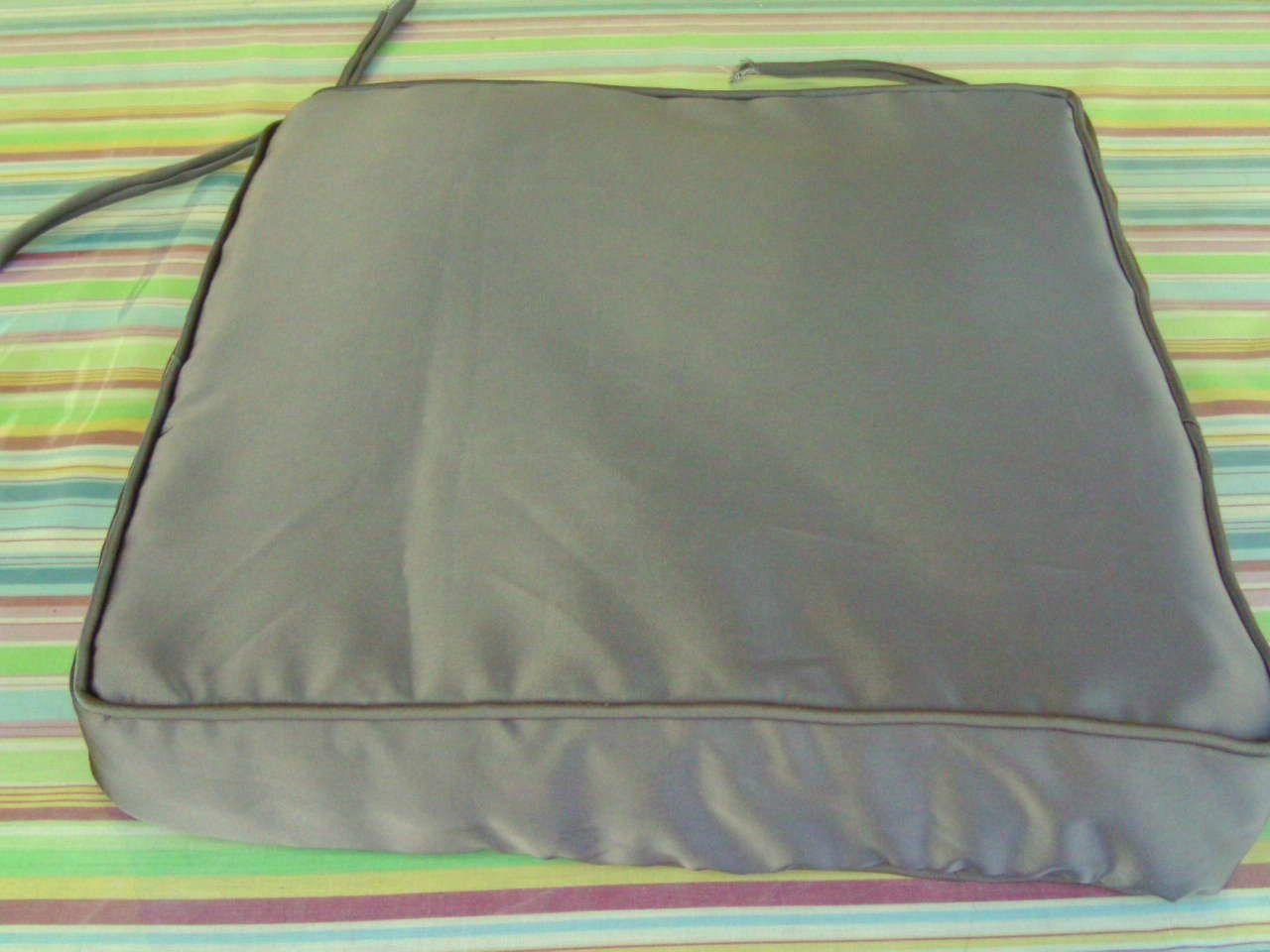 Tapis d ext rieur et coussins 2 coussins bleus 50x50 sunny for Coussin exterieur 50x50
