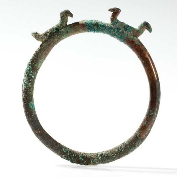 ring-shaped-bronze-ornament-with-birds-la-tene-culture-350-bc-1373546104401336