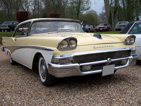 58_FORD_Fairlane_500_Hardtop_Coupe__1_