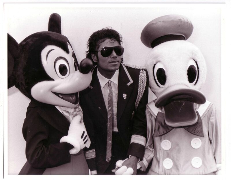 MICHAEL-the-thriller-era-14286715-1599-1249