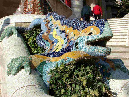 Parc_Guell_Dragon_en_la_entrada