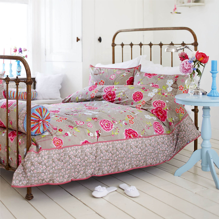 brown-with-roses-bed-linen