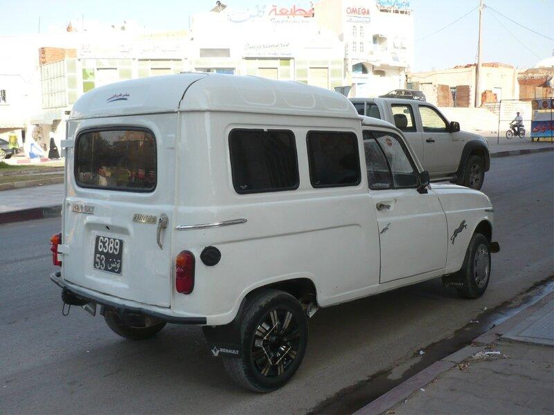 RENAULT 4L fourgonnette Gafsa (2)