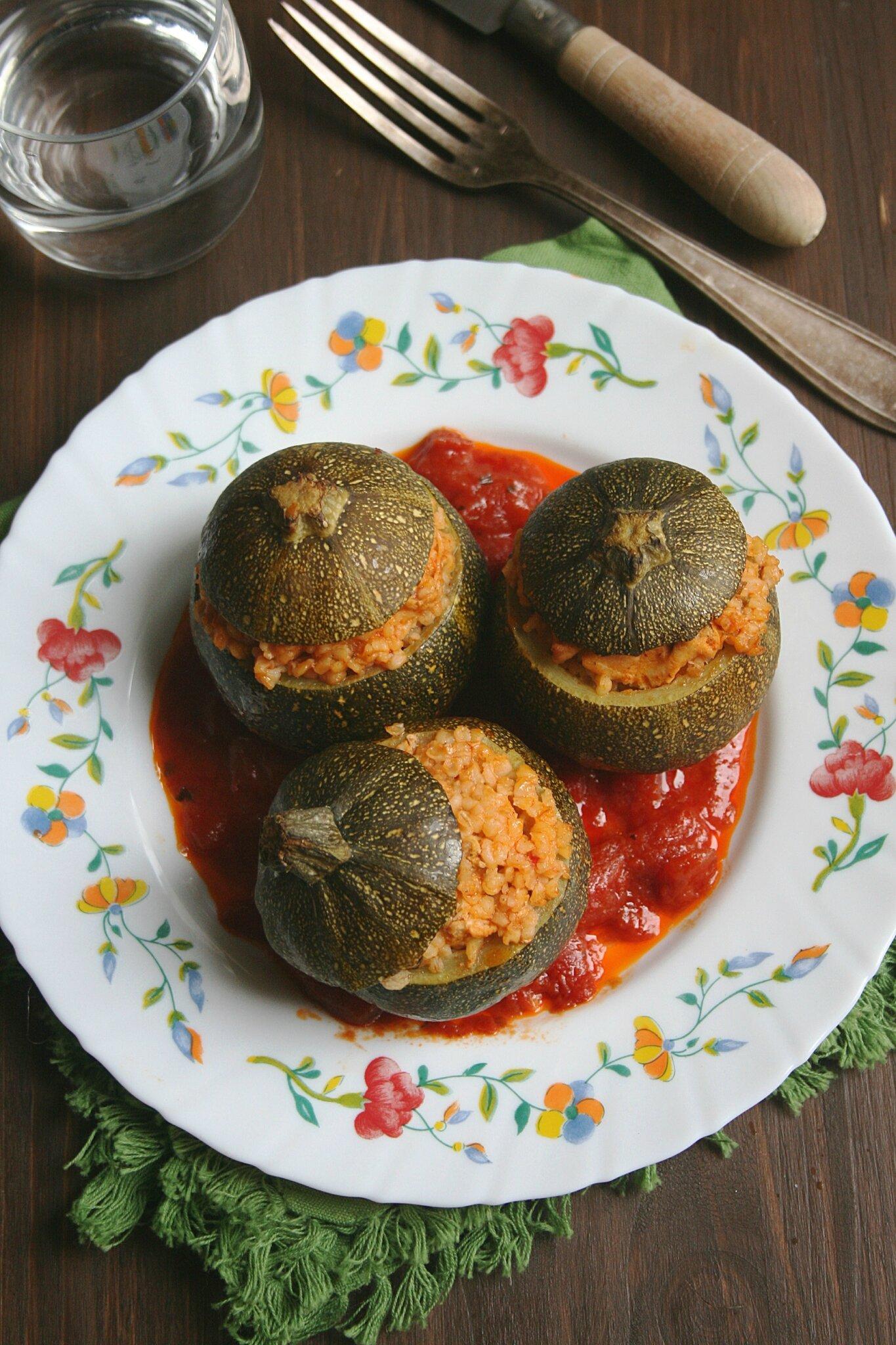 Courgettes (rondes) farcies au boulghour et poulet