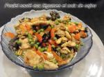 poulet sauté aux légumes et noix de cajou