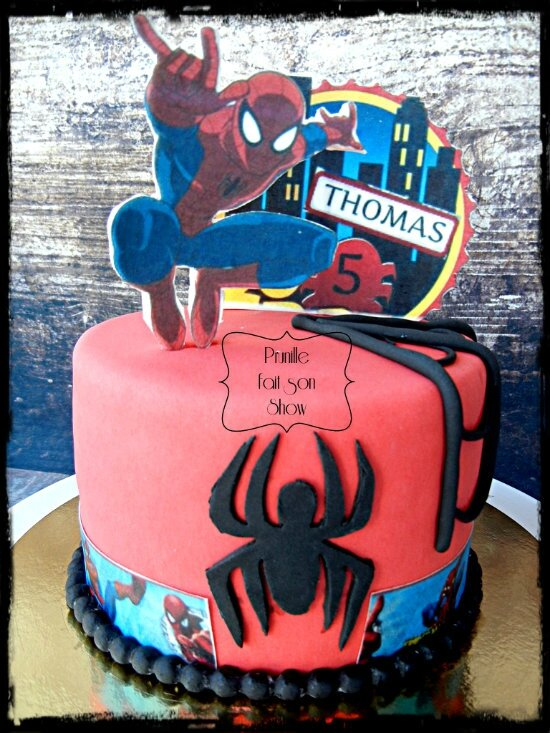 gateau spiderman prunillefee