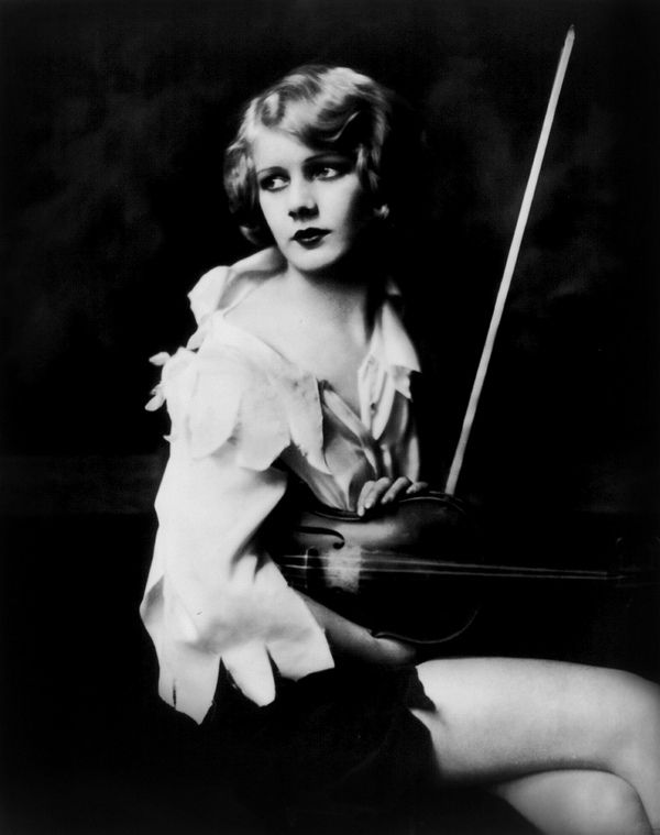 Alfred_Cheney_Johnston_01_Kay_English