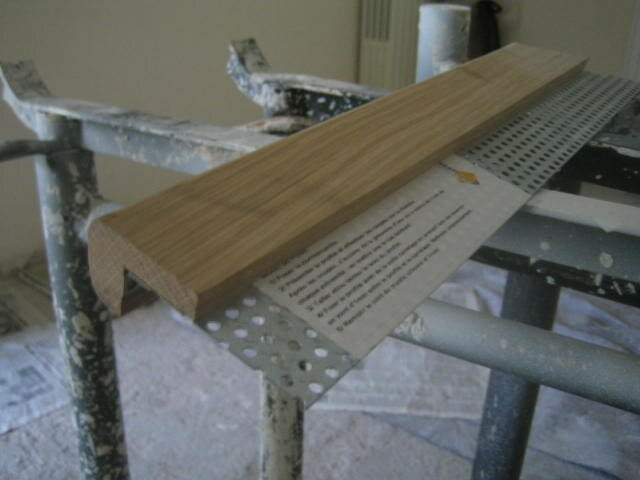 Pose escalier avec nez de marche en bois stephanecarrelage for Nez de marche carrelage escalier