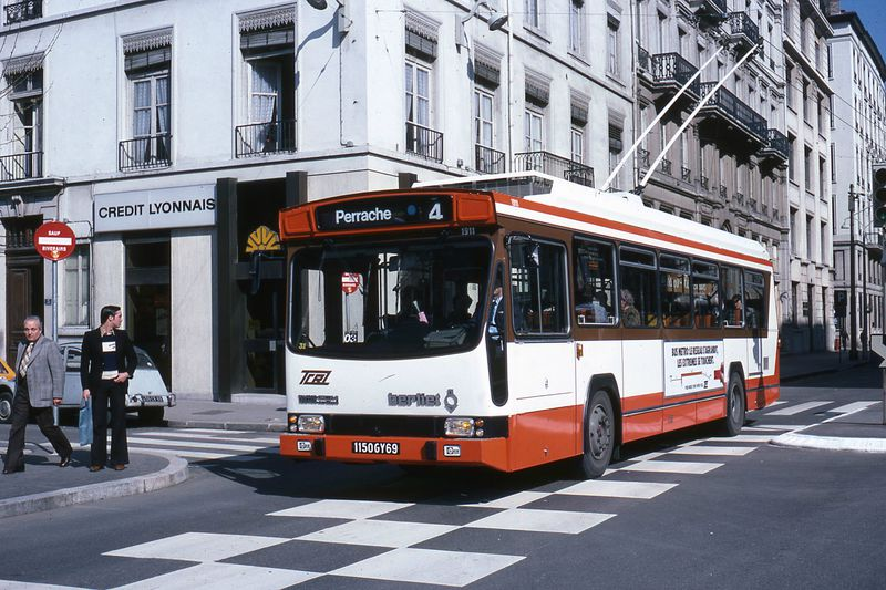 histoire des trolleybus lyon 1973 aujourd 39 hui. Black Bedroom Furniture Sets. Home Design Ideas