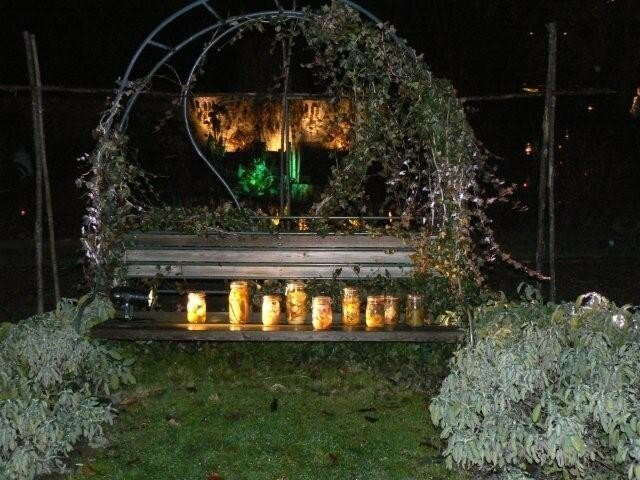 Banc en bois sous pergola à Wesserling - Noël au Jardin (68)