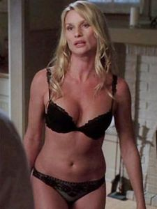 nicolette_sheridan_as_edie_britt_in_underwear_300x400_150409