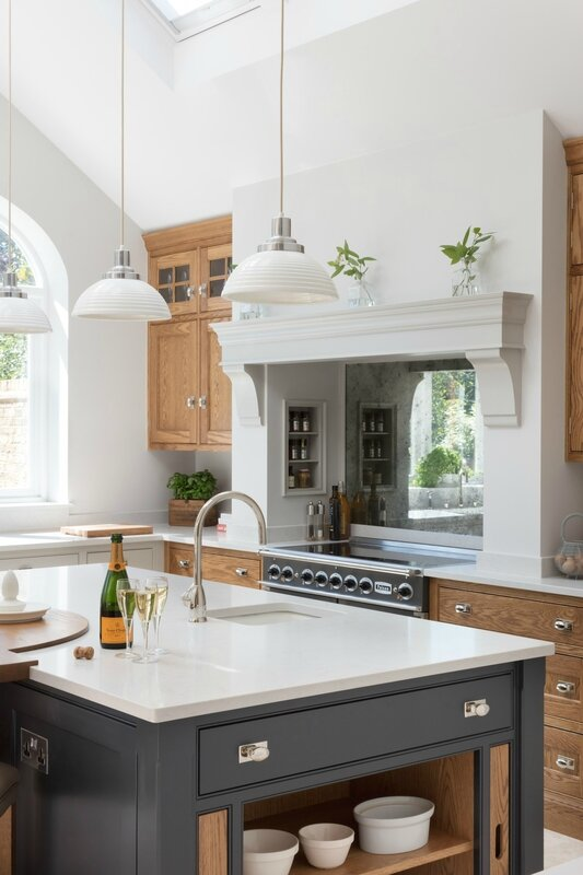 Barnes-Village-Luxury-Bespoke-Kitchen-Humphrey-Munson-9