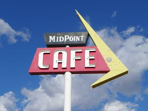 Midpoint cafe (1024x768)