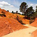 Rustrel , colorado provençal