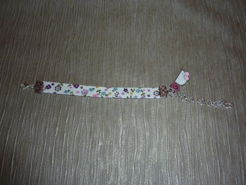 bracelets liberty mon coffre bijoux. Black Bedroom Furniture Sets. Home Design Ideas