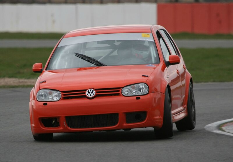 VW_Golf_-_Flickr_-_exfordy_(1)
