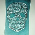 Sac Pochette, étui phone 'Daim & Strass' Skull vert canard