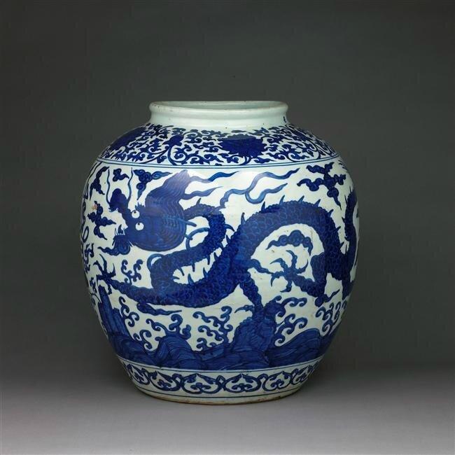 Grande jarre à décor dragons, règne de Jiajing (1522-1566)