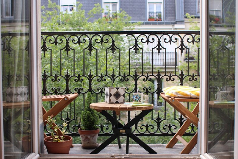 by morning by foley coin-ete-petit-balcon-deco-paris-2
