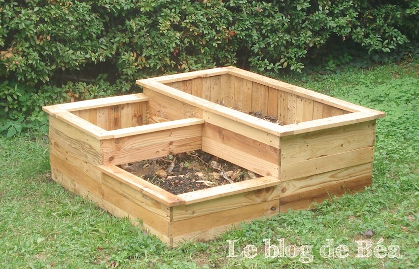 Diy carr potager 3 bacs en planches de palette photo for Plan de potager en carre