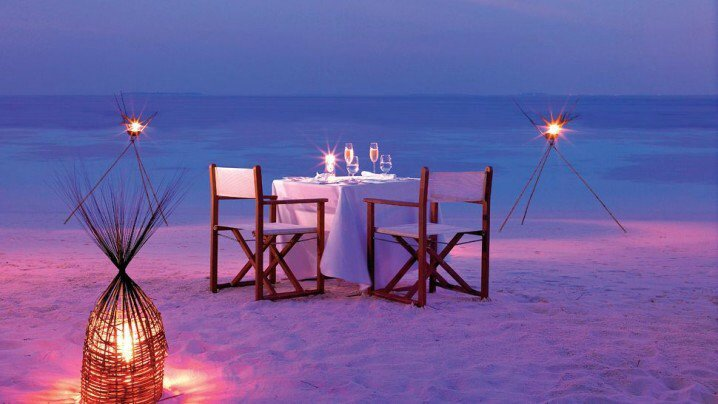 15-Absolutely-Romantic-Outdoor-Decorations-Seen-In-Beach-2 (1)