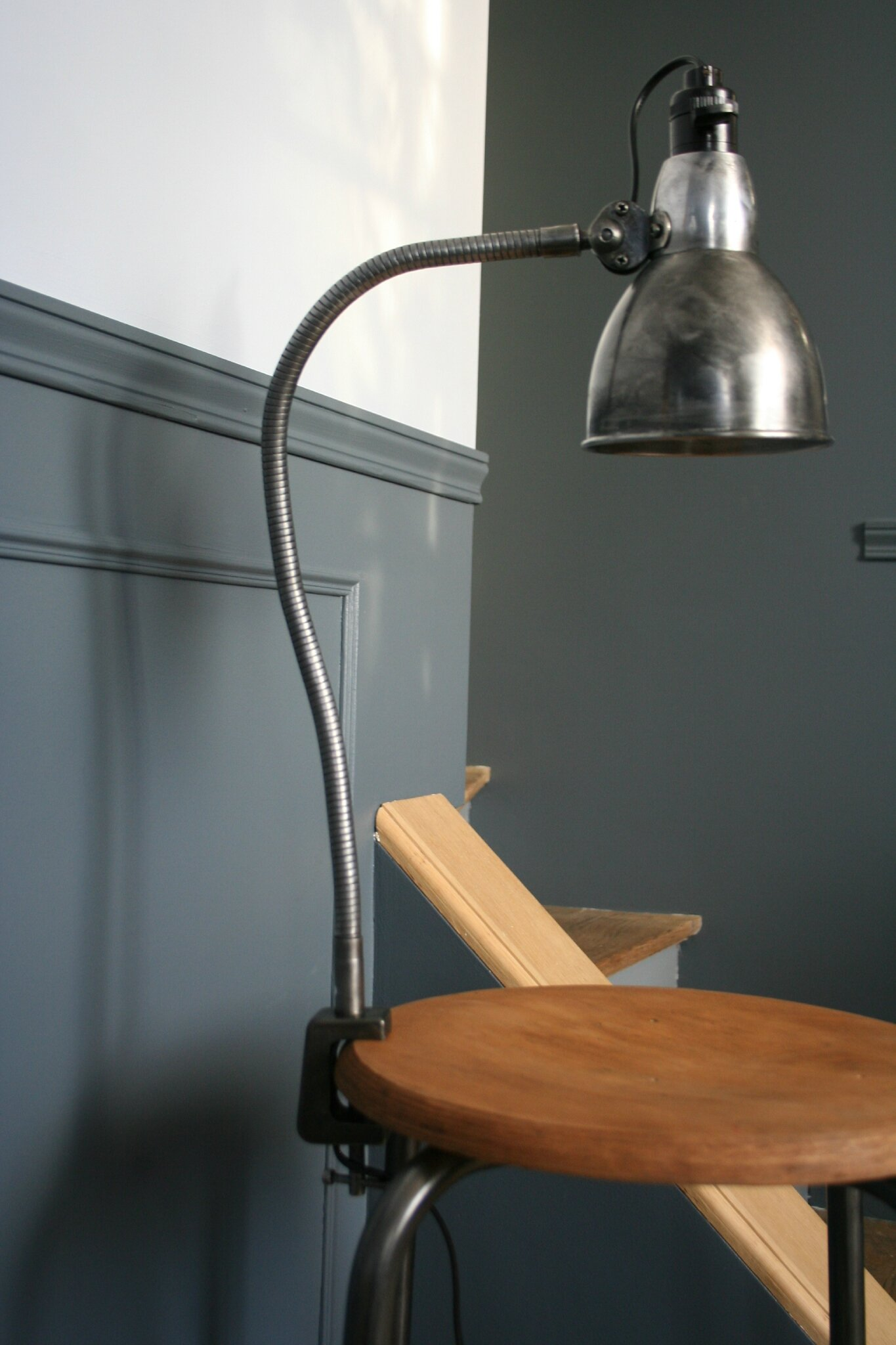 lampe d 39 atelier flexible album photos r tro. Black Bedroom Furniture Sets. Home Design Ideas