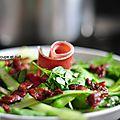Cressonnade aux asperges, jambon cru et lard croustillant