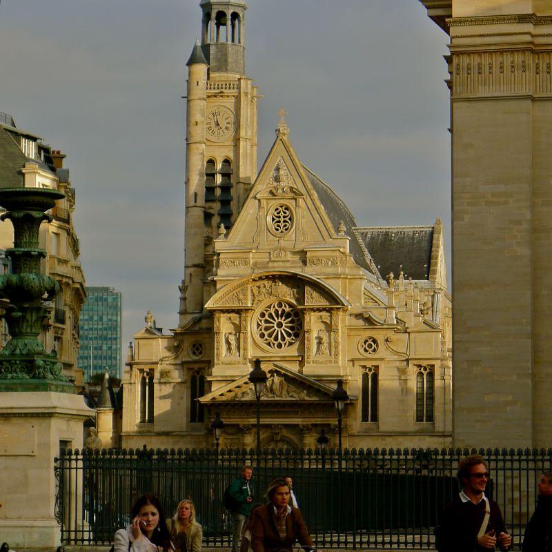 Saint-Etienne du Mont depuis la place du Panthéon.