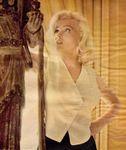1953_10_SH_SchenckHouse_statue_03